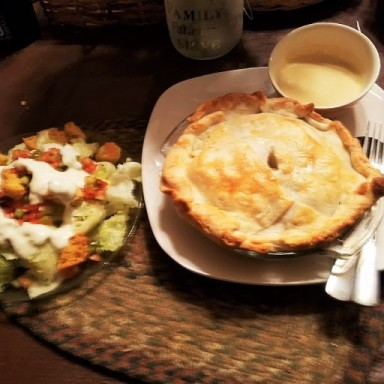 chicken meat pie with salad (3)
